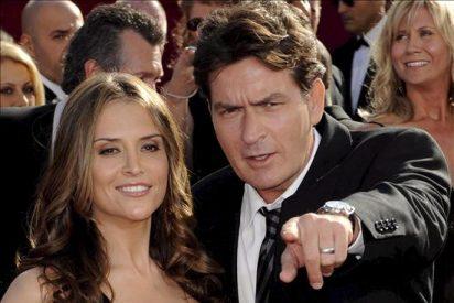 Charlie Sheen y su mujer niegan rumores de divorcio