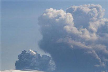 Vuelven a suspender los vuelos en Irlanda por la ceniza volcánica