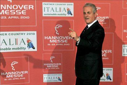 Dimite un ministro de Berlusconi por un escándalo relacionado con trama de G8