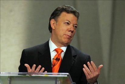 Santos hace cambios radicales en su campaña ante el imparable avance de Mockus
