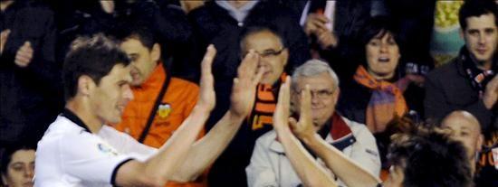 3-1. El Valencia dio un gran paso hacia el tercer puesto y el Xerez hacia el descenso