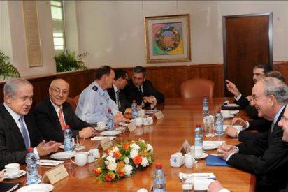 Mitchell y Netanyahu tratan de impulsar el proceso de paz con los palestinos