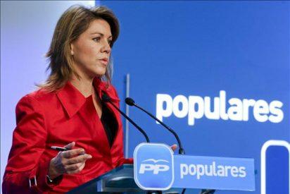 """De Cospedal dice que España no puede seguir dos años más """"en esta situación"""""""