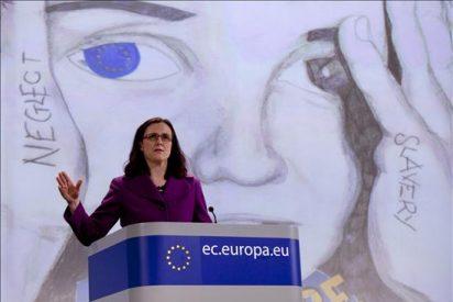 Bruselas pide que los menores no acompañados no pasen más de 6 meses retenidos