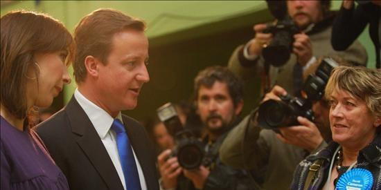 Cameron retiene su escaño y afirma que el Laborismo perdió el mandato