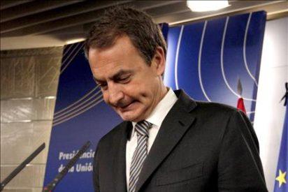 Zapatero viaja a la reunión del Eurogrupo que ratificará la ayuda a Grecia