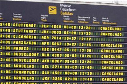 Cancelados 167 de los 321 vuelos programados hoy en los aeropuertos cerrados