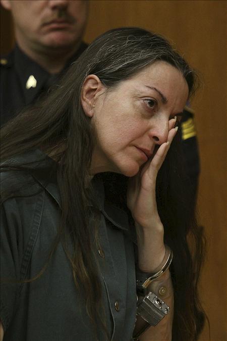 Termina sin acuerdo la reunión entre el ex marido de la abogada Carrascosa y su familia