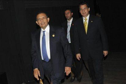 El presidente Lobo dice que Correa desconoce lo que ha pasado en Honduras