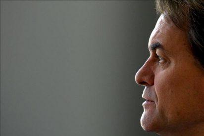 Mas coincide con Duran en ver acabado a Zapatero, pero no avala la moción de censura