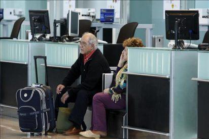 Los aeropuertos afectados por la nube de cenizas abrirán este lunes