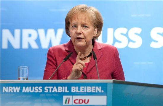 Merkel subraya la importancia del paquete para reforzar y defender el euro