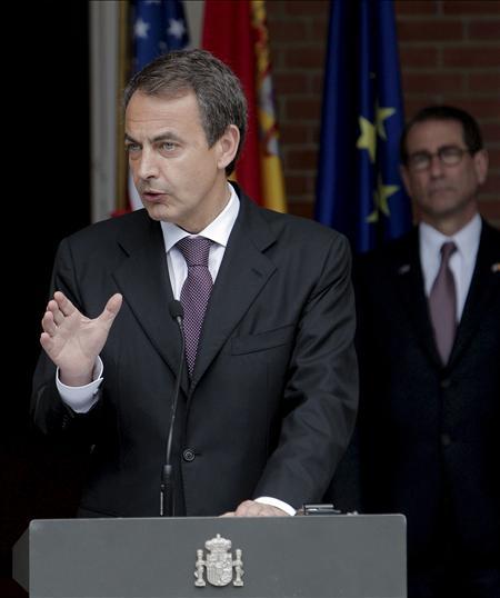 Wen y Zapatero conversan por teléfono sobre la crisis financiera y zona euro