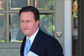 """Cameron dice que es el """"momento de decidir"""" sobre el nuevo Gobierno británico"""
