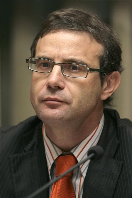 Justicia niega que haya destituido a un subdirector por su informe sobre el velo en las escuelas