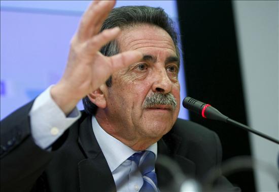 """Revilla reivindica el español como """"una de las grandes industrias"""" del país"""