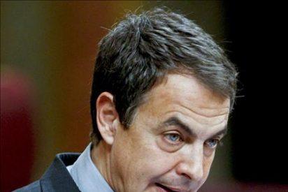 Zapatero expone su plan para acelerar la reducción del déficit