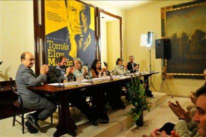 Periodistas homenajean en México al escritor argentino Tomás Eloy Martínez