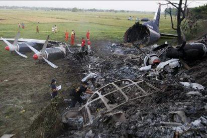 Se estrella un avión libio cerca de Trípoli y mueren 104 ocupantes