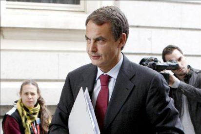 Zapatero reúne a los líderes regionales del PSOE para explicar los recortes