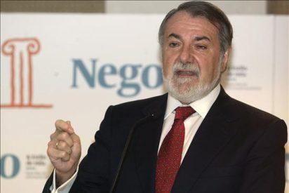 Mayor Oreja afirma que Camps no se ha enriquecido y que la dirección PP adoptará las medidas necesarias