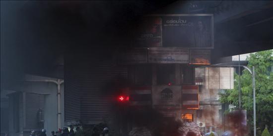 Tres muertos y una decena de heridos en los tiroteos en Bangkok
