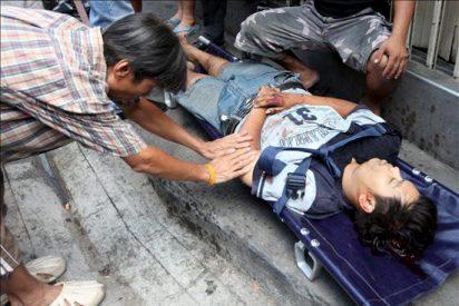 Un rebrote de la violencia causa tres muertos en la zona central de Bangkok