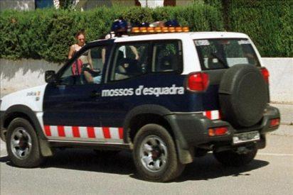 Cae una banda que robó 100 coches en aparcamientos públicos de Barcelona