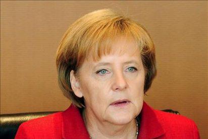 Merkel dice que la crisis enseña que la UE debe acercar más sus políticas financieras