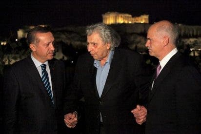 Prensa griega muestra sus reservas sobre resultados de visita oficial de Erdogan