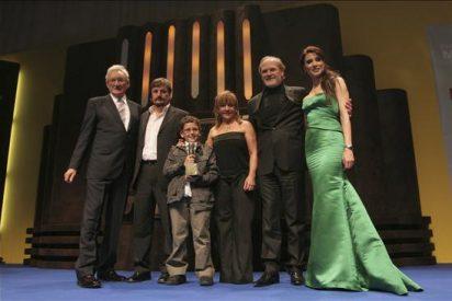 Noche de galardones tras la descontrolada persecución popular a Isabel Pantoja