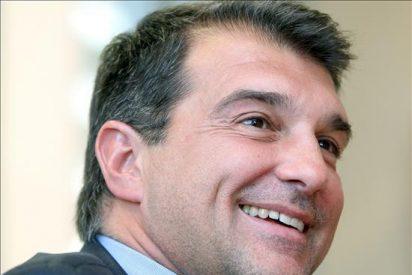 """Laporta dice que """"no puede adelantar nada"""" sobre Villa y Cesc"""