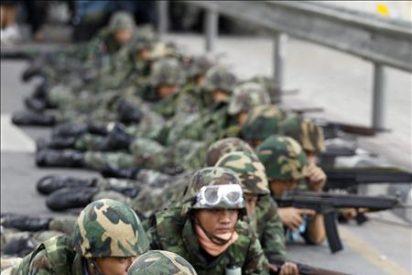 Al menos cuatro muertos y 50 heridos en el asalto del bastión rojo en Bangkok