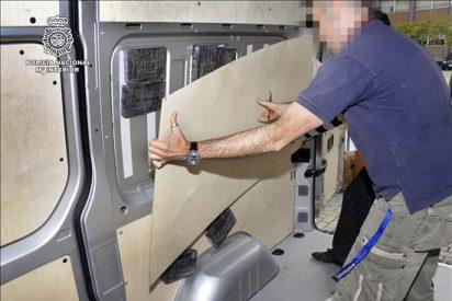"Caen seis ""narcos"" con cien kilos de coca ocultos en un contenedor con bananas"