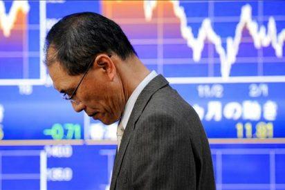 El Nikkei baja 156,53 puntos hasta los 10.030,31 puntos