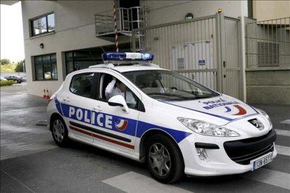 Un cuarto detenido en Francia, mientras siguen los registros