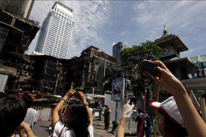 El Gobierno tailandés prorroga el toque de queda hasta la noche del lunes
