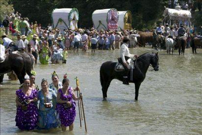 Los almonteños saltaron la reja a las 2.50 dando comienzo procesión de Virgen
