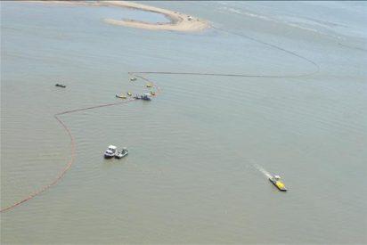Ken Salazar y Janet Napolitano visitarán las zonas afectadas por el vertido de crudo