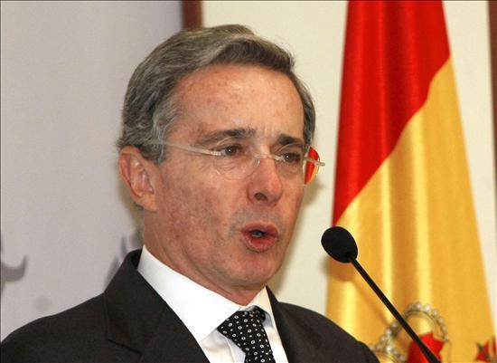 Un mayor de la Policía acusa al hermano de Uribe de tener vínculos con paramilitares