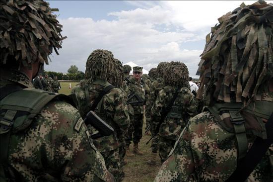 Las FARC matan a 9 militares y empañan la recta final de las elecciones colombianas