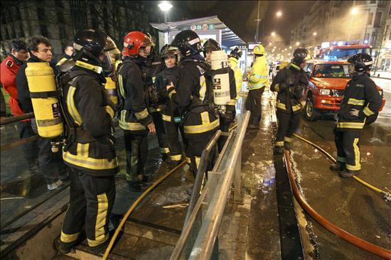 Dos muertos y seis heridos en un incendio en una vivienda de Sestao