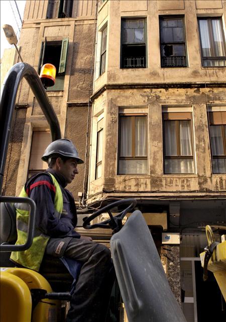 Dos muertos y seis heridos en un incendio en una vivienda de Sestao, Vizcaya