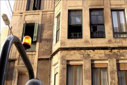 Un padre y su hijo fallecen en un incendio en Sestao con cinco heridos
