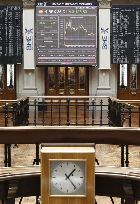 La Bolsa española abre con un abultado descenso (3,42%) en el Ibex-35