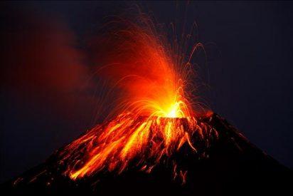 Correa está satisfecho por el operativo para afrontar los efectos de la erupción