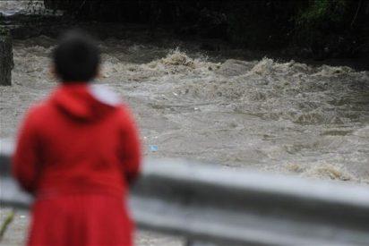 """Aumenta a doce el número de muertos en Guatemala por la tormenta """"Agatha"""""""
