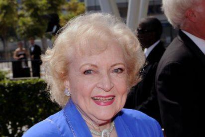 Campaña para que la 'chica de oro' Betty White presente los Oscar