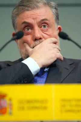 Granado dice que sólo se está pidiendo un sacrificio de 15 a 20 euros al mes