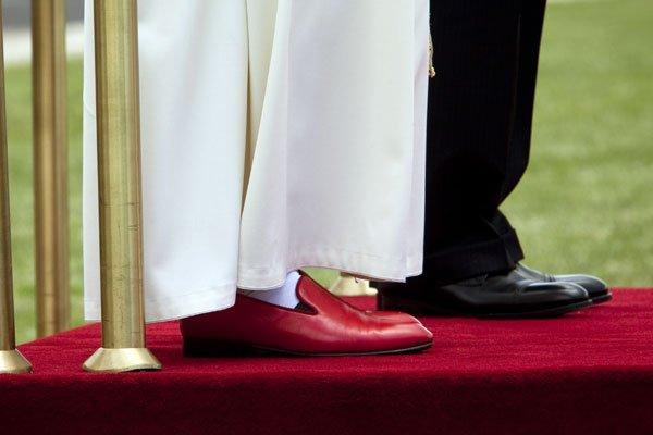 Los zapatos del Santo Padre